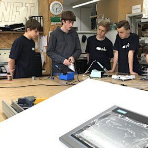 Spannender Blick hinter Kulissen: Schüler bei NFT