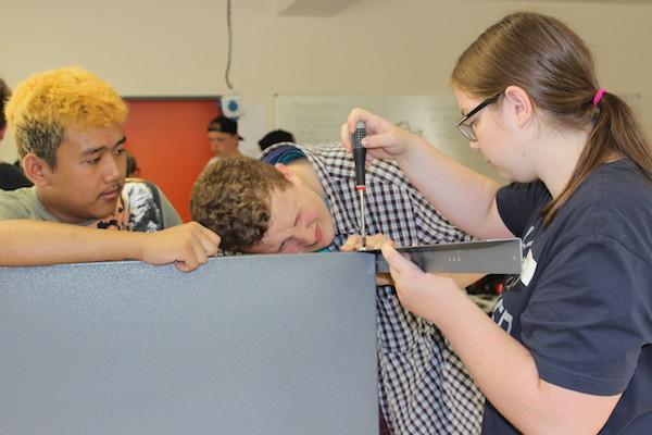 OBS Bad Laer: Schüler richten Werkstatt ein