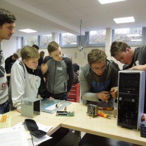 Werkstatttreffen: Web-Team meets Tüftler-Crew